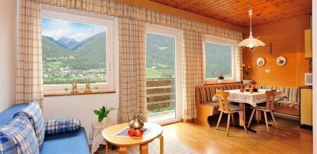 raum 03 Kopie 648x316 Ferienwohnung am Martinhof in Neustift/ Südtirol